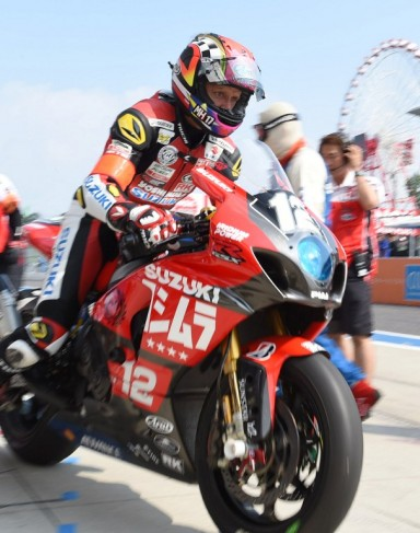 Kevin Schwantz  of the Legend of Yoshimura Suzuki Shell Advance Team rurns during  the Suzuka 8 hours Endurance Road Race at the Suzuka Circuit in Mie Prefecture on July 27, 2014. Aoki dropped and fell after crashing with Takuya Tsuda of Yoshimura Suzuki Shell Advance Team. The Legend team failed to advace to the finals. America legendary 48-year-old Schwantz , a former FIM 500cc World Grand Prix Champion had returned to the Suzuka 8hours Road Race from last year.    ( The Yomiuri Shimbun )